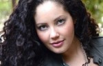 Tanesha Awasthi — стильный блоггер Plus Size