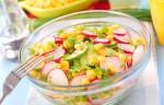 Салат из кукурузы, редиса и свежих огурчиков