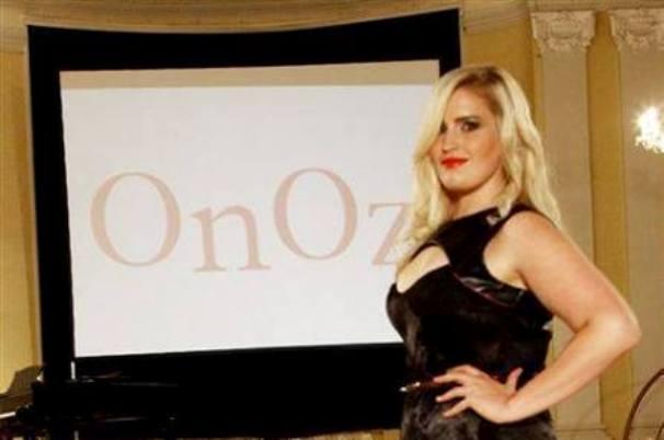 Одежда больших размеров от французского магазина OnOz